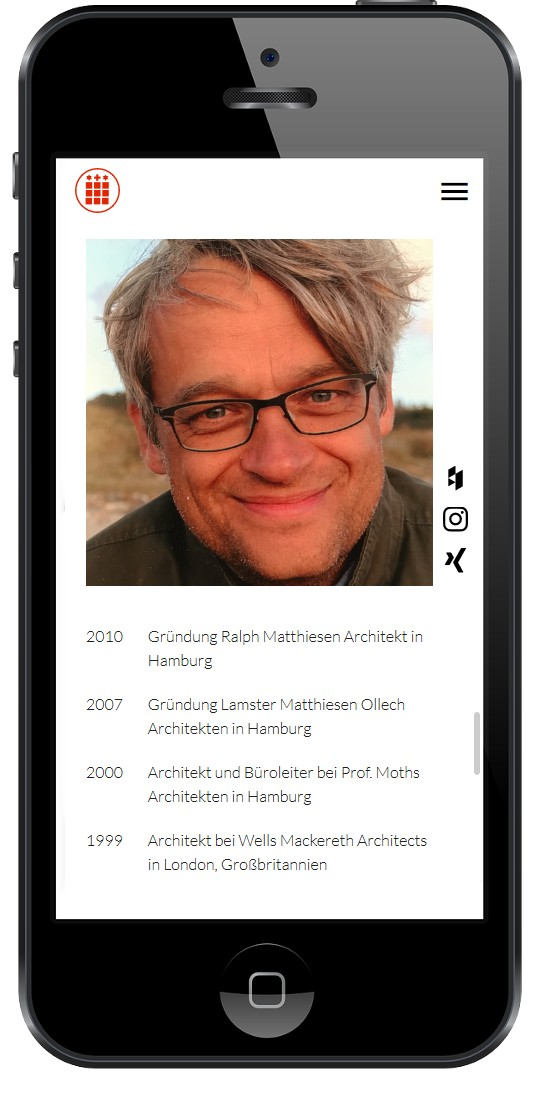 Mobile Webdesign: Website Ralph Matthiesen auf einem Iphone.
